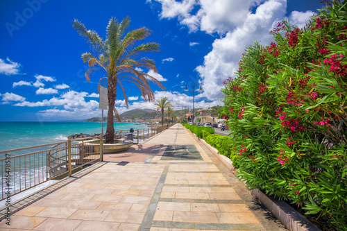 Photographie  Coastline promenade with palm trees in Cogoleto town on Italien riviera