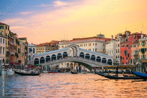 Cadres-photo bureau Venice Rialto Bridge in Venice, Italy