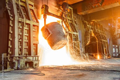 Blast furnace smelting liquid steel in steel mills Canvas-taulu