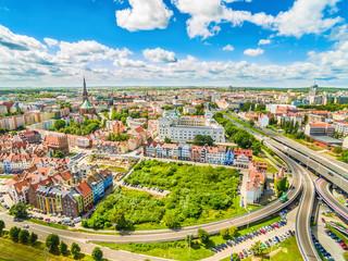 Szczecin - stare miasto z lotu ptaka. Zamek królewski i krajobraz Szczecina z horyzontem.