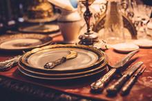 Set Of Vintage Dinnerware On R...