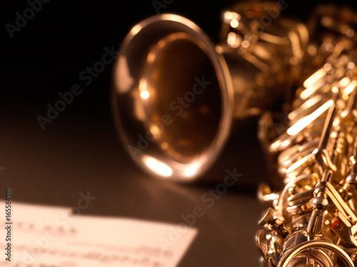 saksofonowy-instrument-muzyczn