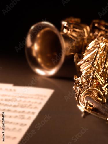 Zdjęcie XXL Saksofonowy instrument muzyczny