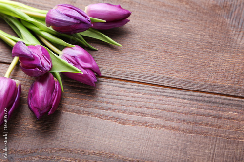 bouquet-of-tulips-on-brown-wooden
