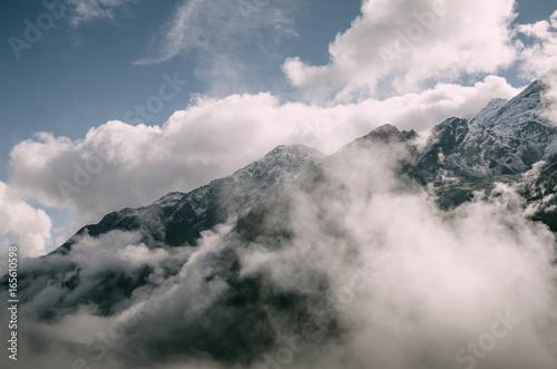 Nebelschwaden im Stubaital, Österreich