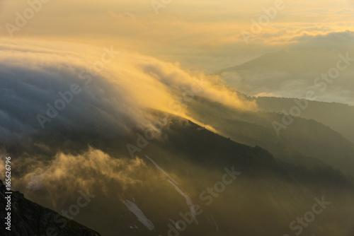 Photo Stands Sunset 朝日に光る雲海