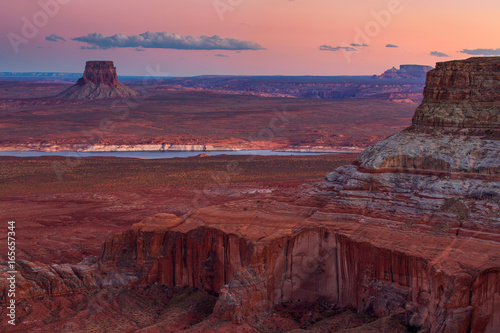 Staande foto Bordeaux view of Alstrom point, Lake Powell, Page, Arizona, united states.