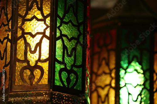 Photo  beautiful vintage lantern hanging, ramadan light decoration