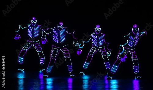 Cadres-photo bureau Carnaval dance team in costumes of the LEDs