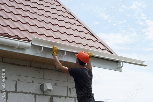 Installation of gutter system Canvas Print