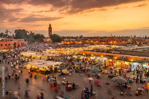 Staande foto Afrika Jamaa el Fna market square, Marrakesh, Morocco, north Africa. Jemaa el-Fnaa, Djema el-Fna or Djemaa el-Fnaa is a famous square and market place in Marrakesh's medina quarter.