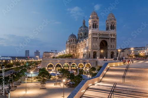 La pose en embrasure Con. ancienne Cathédrale de la Major - Marseille