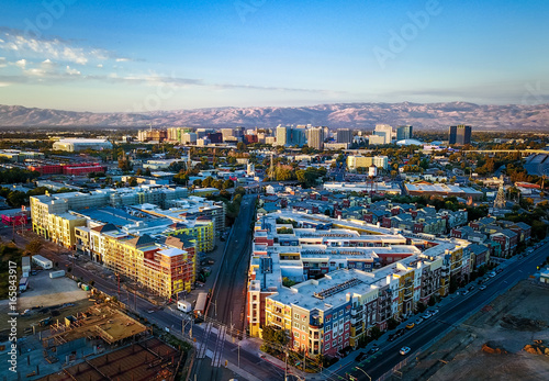 Photo  Aerial view of sunset over downtown San Jose in California
