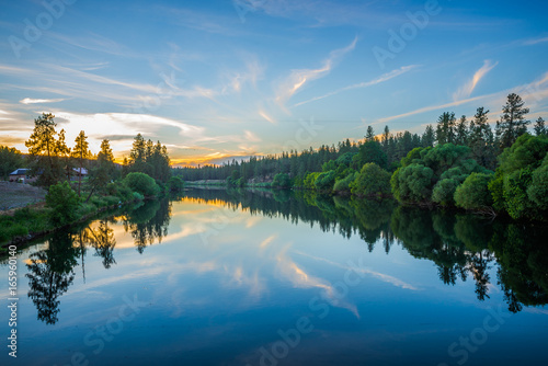 Obraz nine mile reservoir on spokane river at sunset - fototapety do salonu