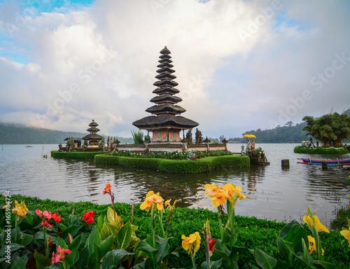 Tuinposter Bali Pura Ulun Danu temple in Bali, Indonesia