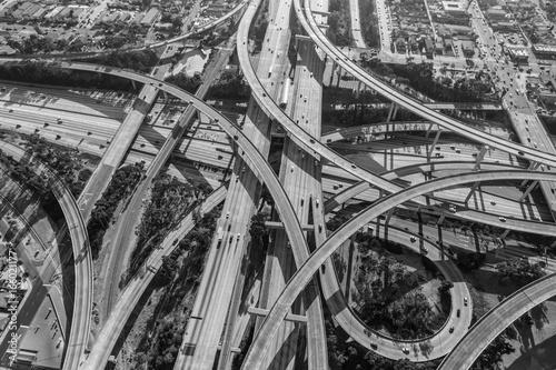 Obrazy Los Angeles  lotniczy-wezel-autostradowy-harbour-110-i-century-105-na-poludnie-od-centrum-los-angeles