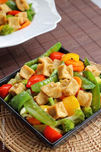 Spoed Fotobehang Eten Tofu and mixed vegetable stire fried.