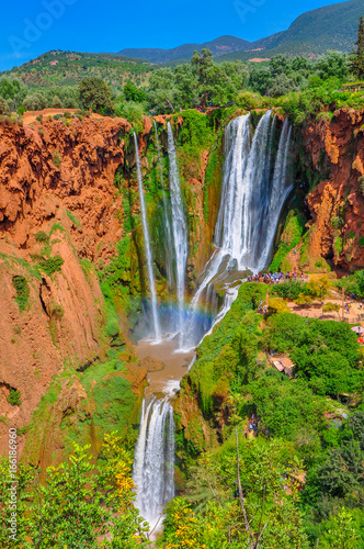 Obraz majestic Uzud falls which are located in a mountain part of Morocco - fototapety do salonu