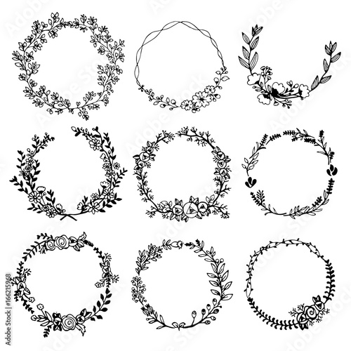 Photo  Hand drawn vector set of floral wreaths
