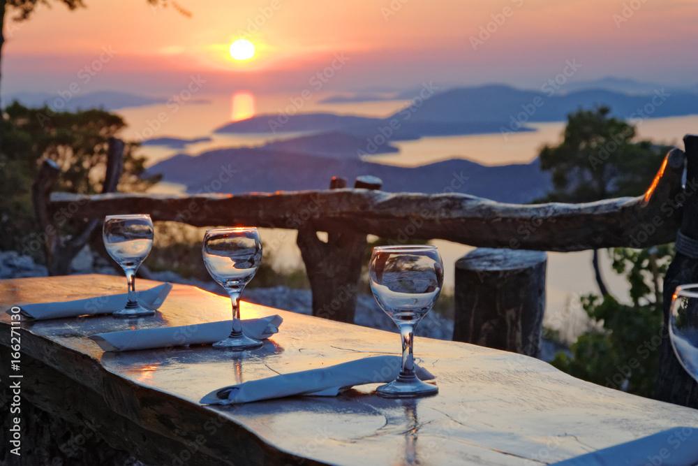 Fototapeta Restauracja z widokiem na morze