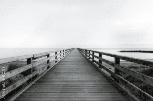 Photo sur Aluminium Ponts Steg ins Meer