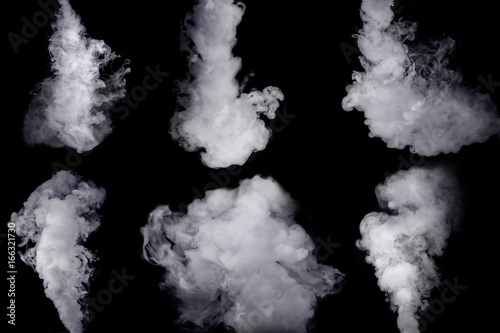 Poster Fumee Set of abstract white smoke against dark background