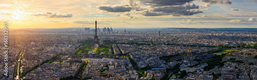 Photo sur Aluminium Paris Skyline of Paris with Eiffel Tower in Paris, France
