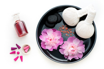 Obraz na płótnie Canvas Spa, aromatherapy and body care set