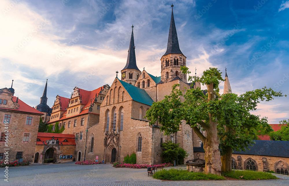 Fototapety, obrazy: Abenddämmerung am Dom von Merseburg an der Saale, Sachsen-Anhalt