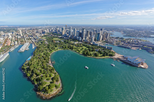 Photo Sydney CBD and Royal Botanic Gardens viewed from the north-east