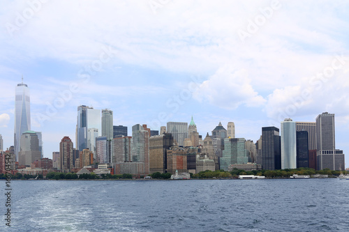 Photo  Lower Manhattan and One World Trade Center in New York City