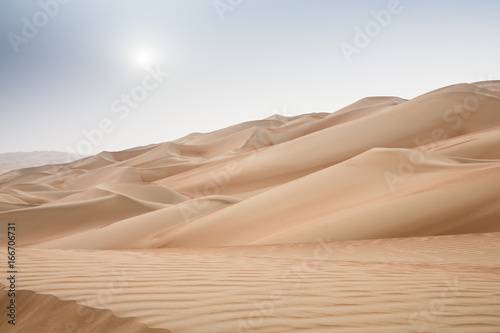 Foto op Plexiglas Zandwoestijn Rub al Khali Desert at the Empty Quarter, in Abu Dhabi, UAE