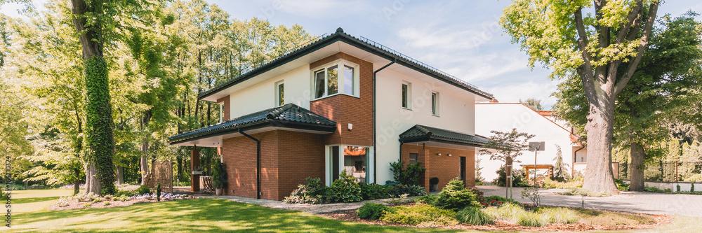 Fototapeta Enormous modern house