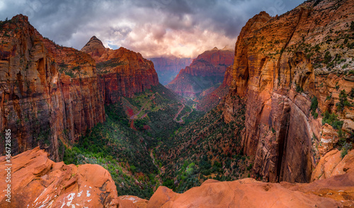 Photo Stands Canyon Beautiful Zion