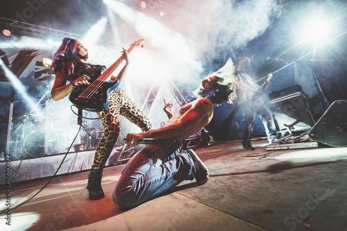 Valokuvatapetti Rock and roll live group
