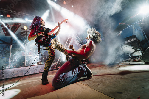 Rock and roll live group Canvas-taulu