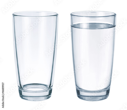 Papiers peints Eau Empty glass and glass with water isolated on white background