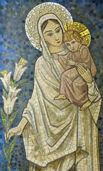 Naklejka Witraże sakralne Mary with baby Jesus on her arm (mosaic)