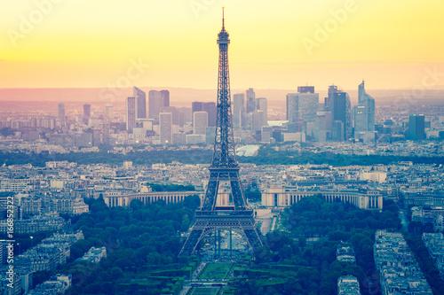 Obraz na dibondzie (fotoboard) Wieża Eiffla z zachodem słońca w Paryżu, Francja
