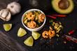 Avoado-Gurken-Salat mit Chili-Garnelen