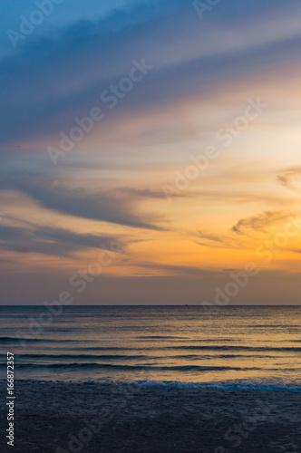 Fototapety, obrazy: Scenic sunset seascape on tropical beach in Sihanoukville