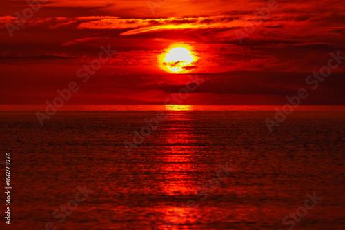 Photo sur Toile Rouge mauve Sonnenuntergang_1