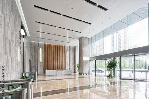 Foto interior of modern entrance hall
