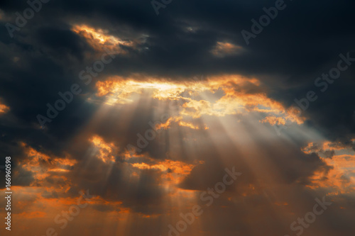 Fototapety, obrazy: dramatic sunset with clouds and sun rays