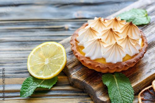 Fotografia, Obraz  Tartlet with lemon cream and meringue.