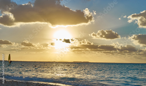 Staande foto Strand Colorful sky at Beach / Romantic sunset on Isla Mujeres in Mexico