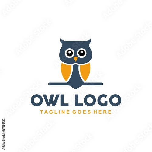 Keuken foto achterwand Uilen cartoon Unique owl logo with minimalist shapes and colors