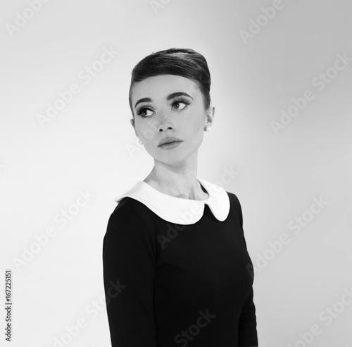 Cuadros en Lienzo beautiful young woman in retro style
