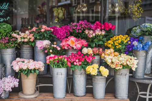 Fotografía Photography of beautiful flowers on the street