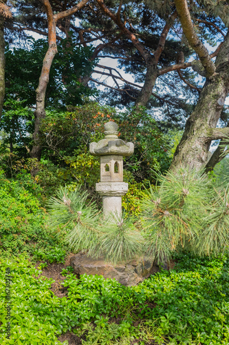 Photo  japanese stone lantern